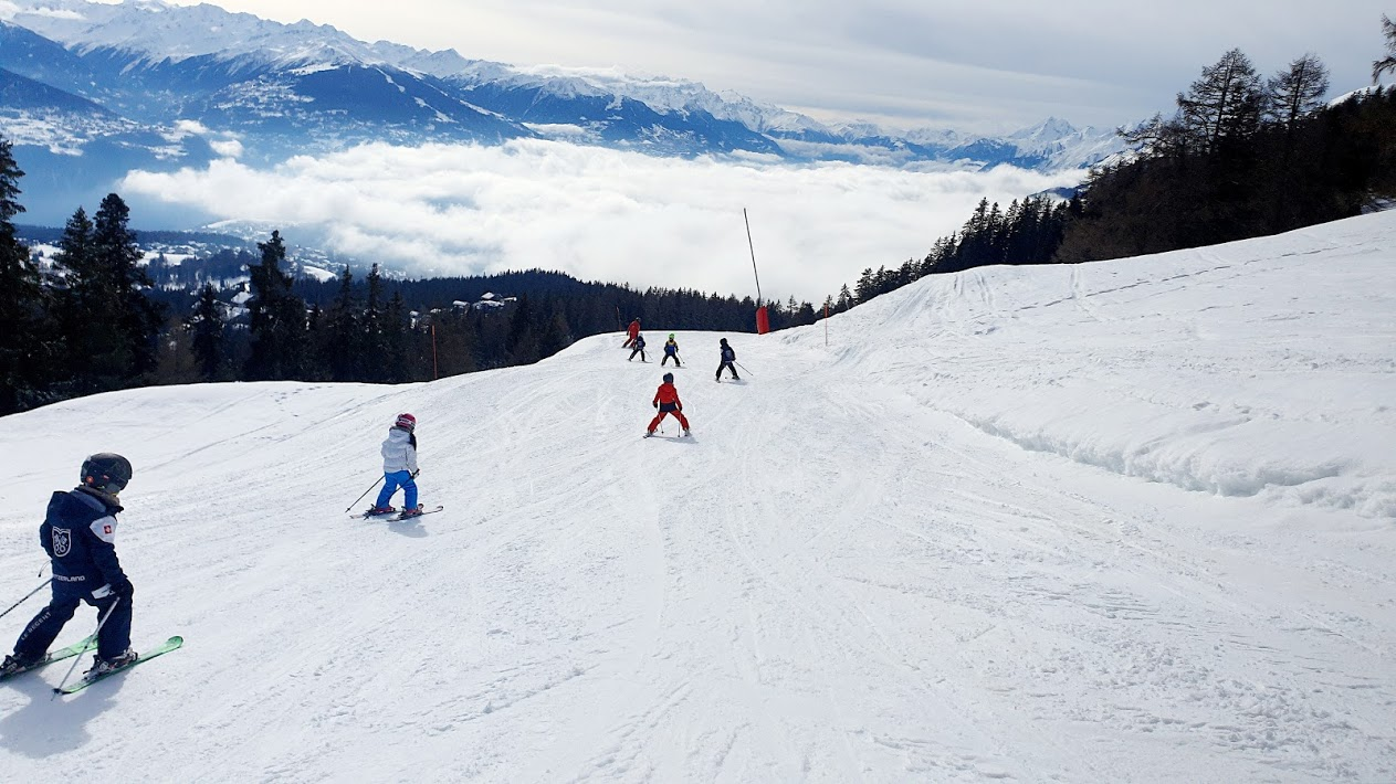Skiing Programme for Bilingual Infant School at Le Régent International School